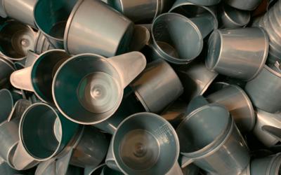 Danmarks største udvalg af målebægre – nu også i 100% genanvendt plast